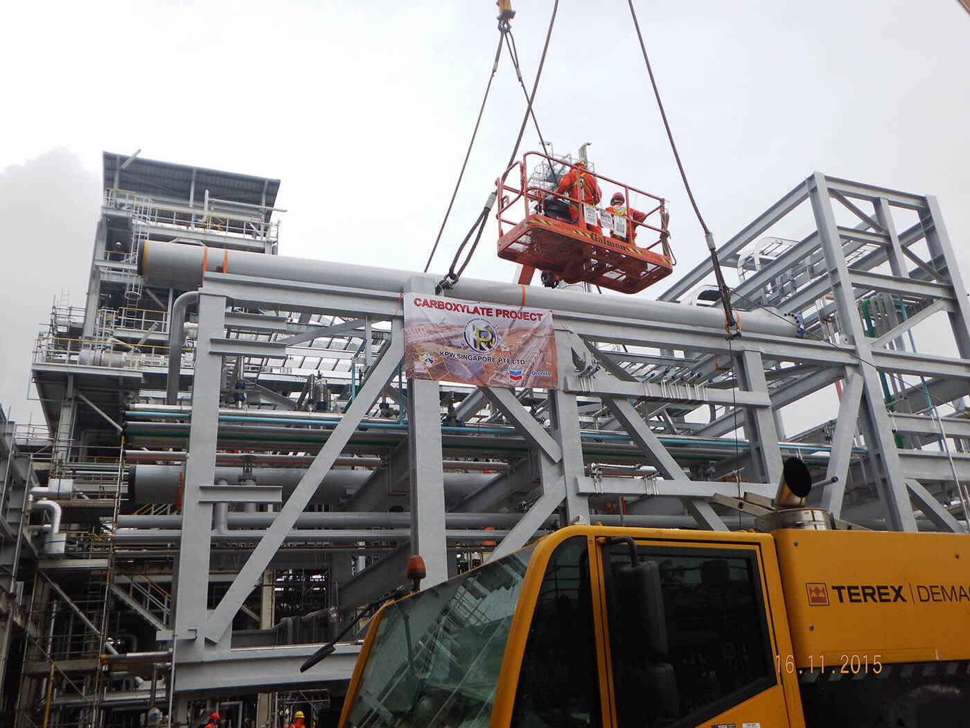 Pipe Rack Module Installation